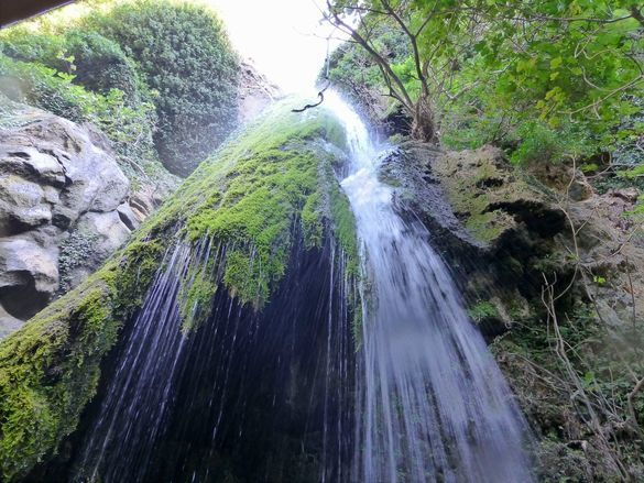 Richtis_waterfall_at_Richtis_gorge_in_Crete